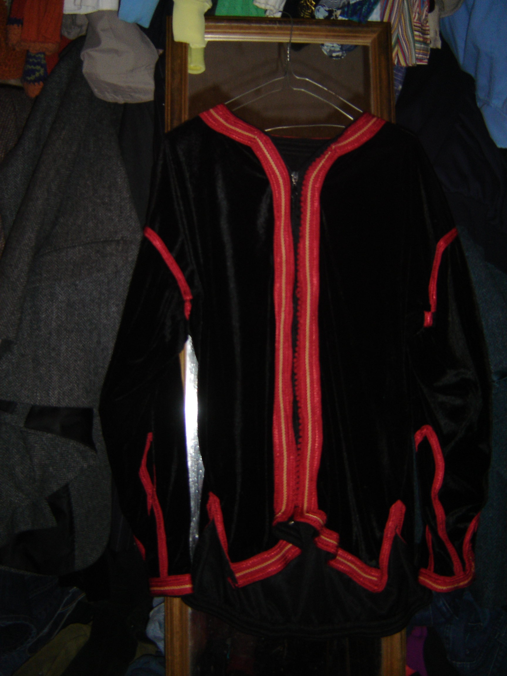 Black velvet Moroccan shirt with scarlet edging