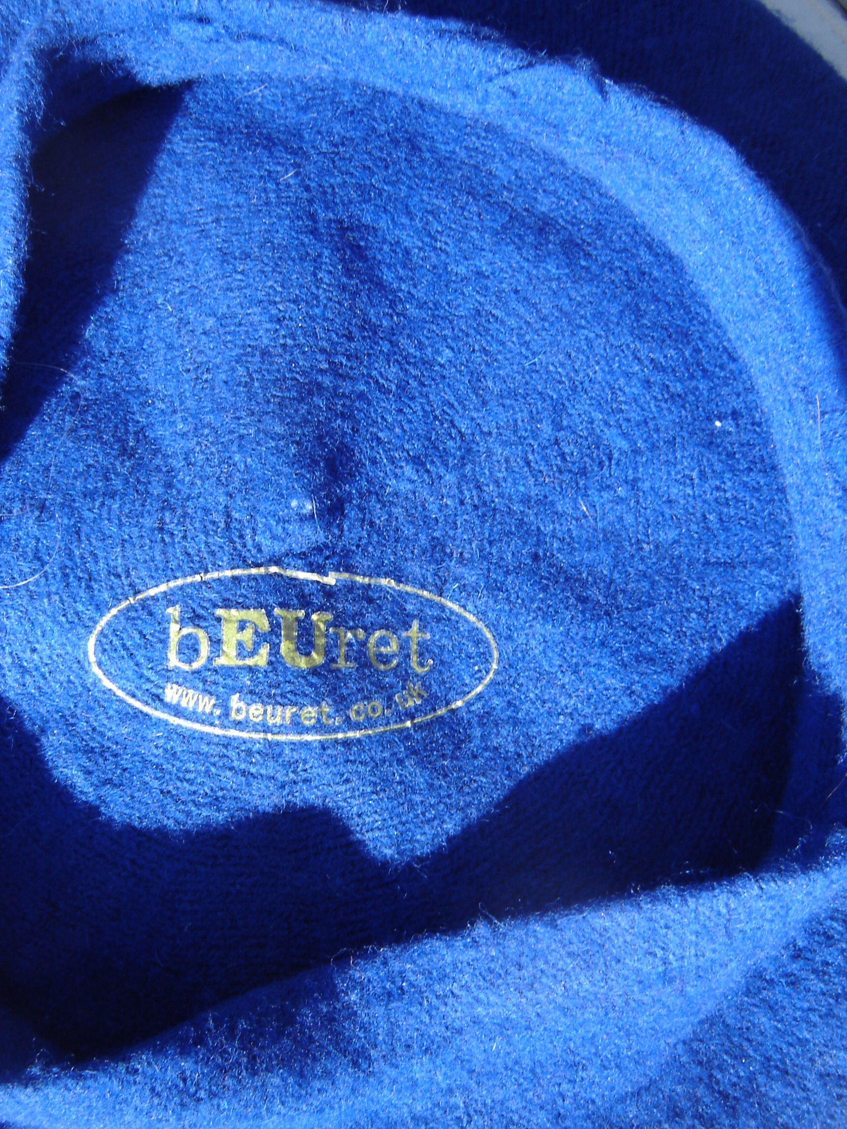 Dark blue EU beret with yellow stars