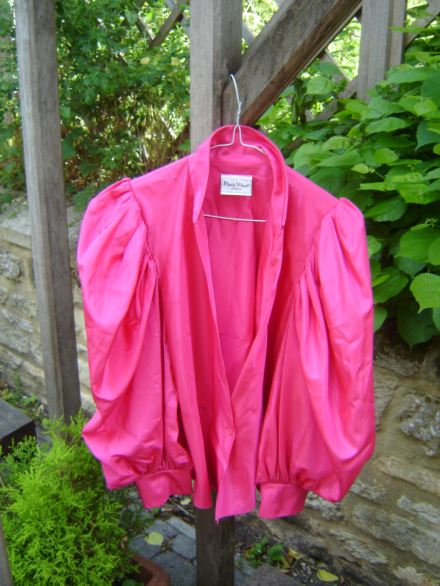 Frank Usher pink silk top with pleated sleeves