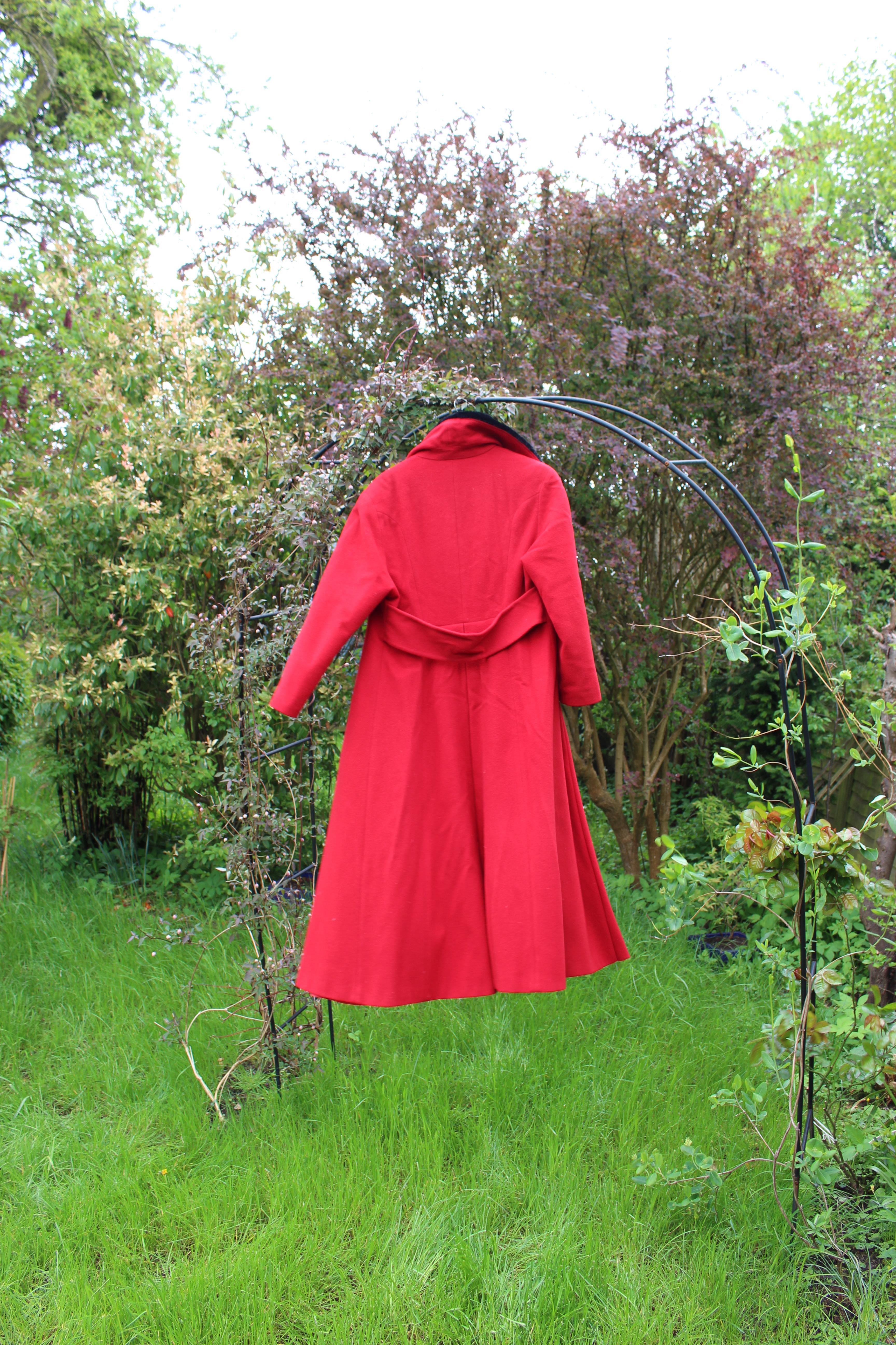 Jaeger red coat