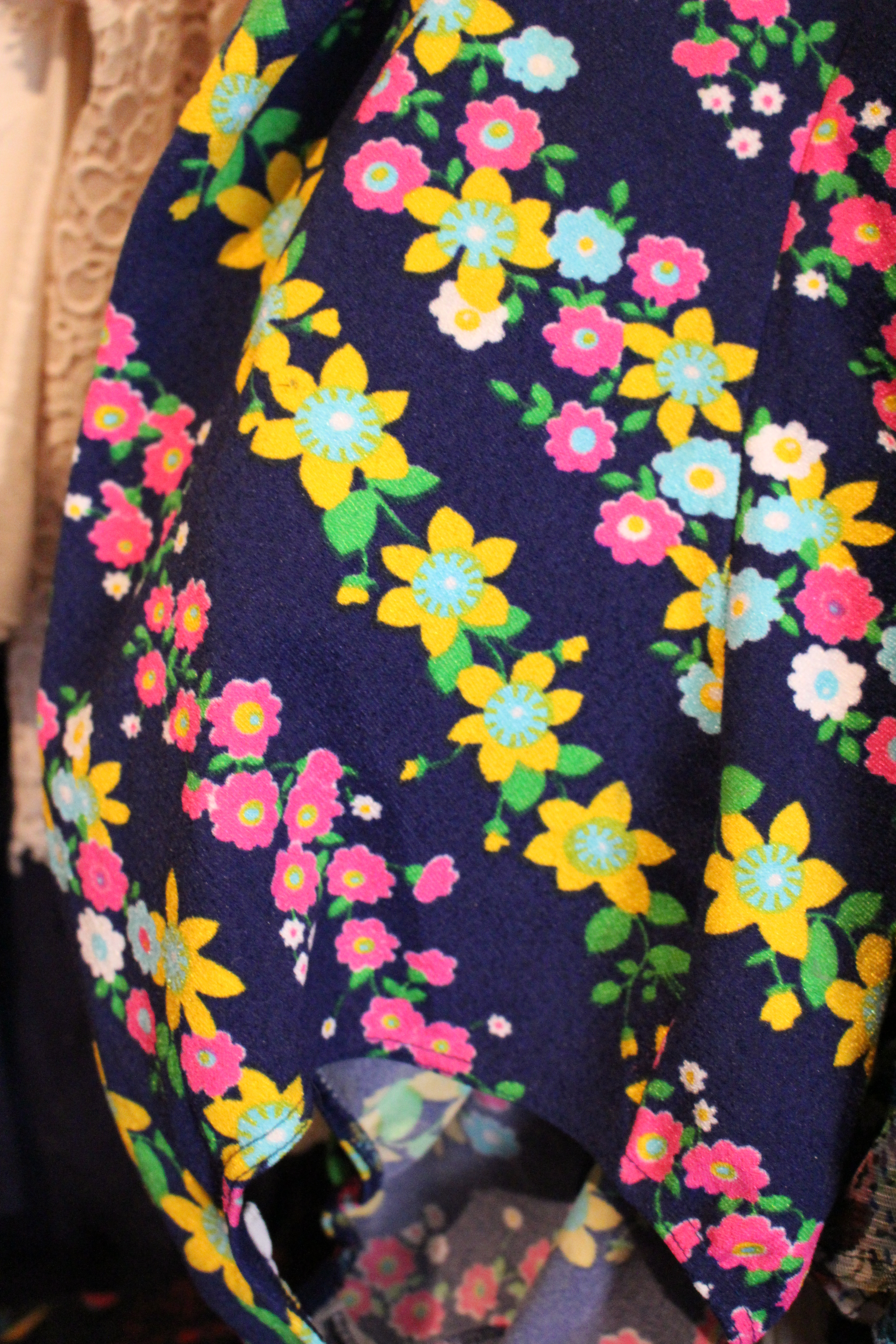 '60s swimming top with woven flowers