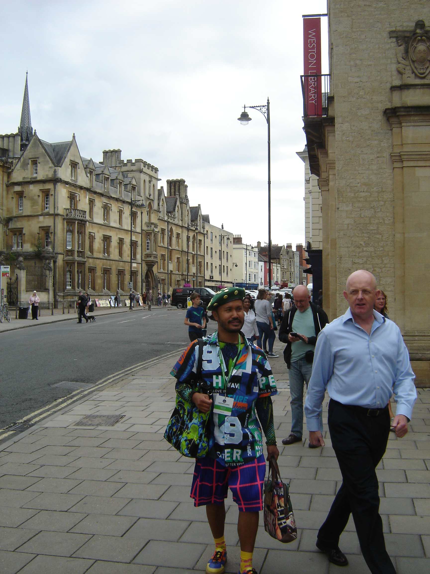 Non-drab person in Broad Street, Oxford